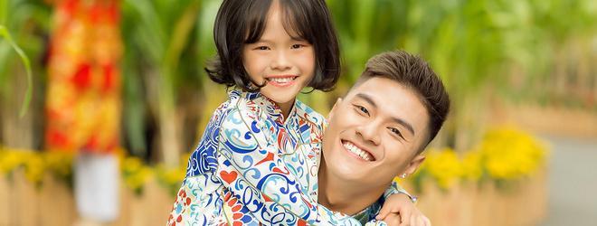 Lâm Vinh Hải và con gái diện áo dài rực rỡ sắc màu đi du xuân