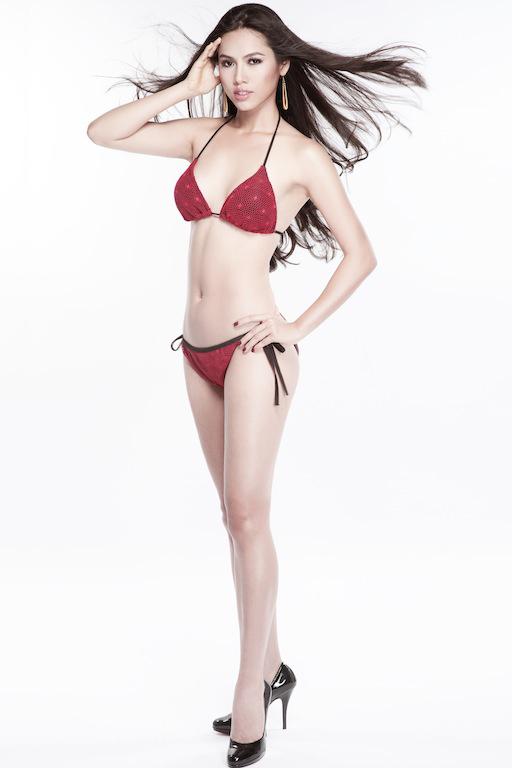 Julia Hồ được mệnh danh là người đẹp nóng bỏng một thời của làng mẫu Việt.