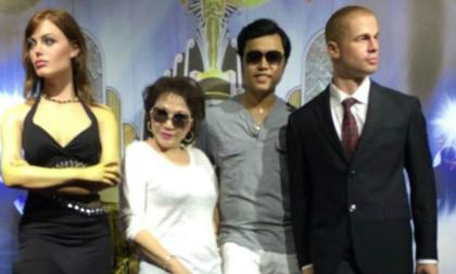 Vũ Hoàng Việt và người tình rạng rỡ chụp ảnh cùng vợ chồng Brad Pitt tại Bà Nà