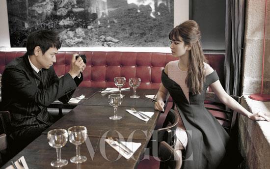 Tận hưởng ngày tươi đẹp ở Paris cùng Kang Dong Won và Song Hye Kyo