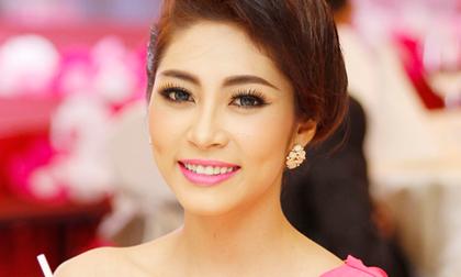 Hoa hậu Đại Dương Đặng Thu Thảo rạng ngời nhờ collagen