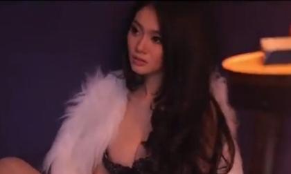 Clip: Hậu trường chụp ảnh cực gợi cảm của Linh Chi