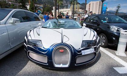 Siêu xe Bugatti Veyron bản gốm sứ xuất hiện tại Monaco