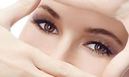 4 bước đơn giản cho đôi mắt luôn khỏe mạnh