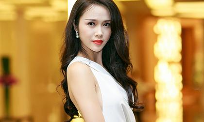 Hoa hậu Áo dài Ngọc Anh 'hút mắt' với đầm cắt xẻ táo bạo
