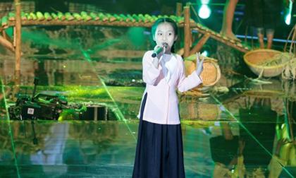 Sân khấu 'Giọng hát Việt Nhí' bất ngờ sập khi thí sinh đang hát