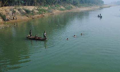 Một phụ nữ chết trên sông Hương không có người nhận