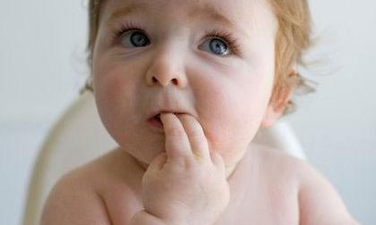 Dấu hiệu nhận biết sớm con mọc răng