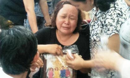 Vụ cháy 7 người chết: Gia đình đang rao bán nhà để mổ tim cho con