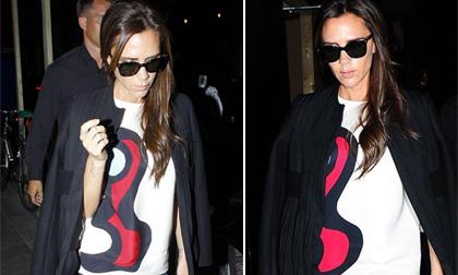 Victoria Beckham tất bật tới thăm cửa hàng sắp khai trương