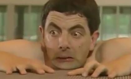 Mr. Bean đi bơi