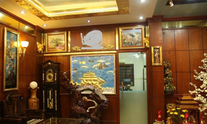 'Lóa mắt' biệt thự mạ vàng của đại gia Hà Nội