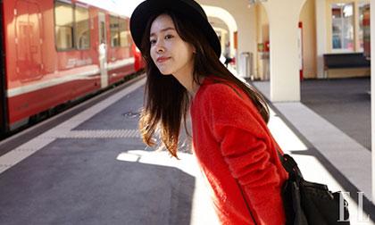 'Ngọc nữ' Han Ji Min khoe vẻ đẹp trong veo trên đường phố Thụy Sĩ