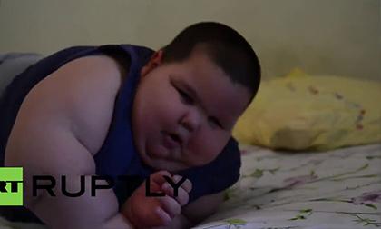 Bé bụ bẫm, 3 tuổi nặng 70 kg