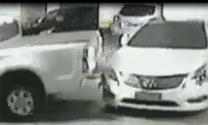 Đỗ xe kiểu 'bẩn tính'