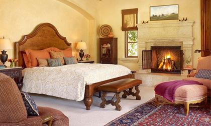 Phòng ngủ kiểu Âu lãng mạn và ấm cúng cho mùa thu đông