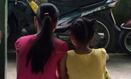 Đi vệ sinh, bé gái 8 tuổi bị nam thanh niên hãm hiếp
