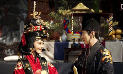'Hoa mắt' trước đám cưới đậm chất Hoàng gia của Chae Rim tại Hàn