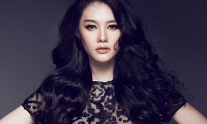 Linh Chi đẹp lạnh lùng với gam màu đen trắng