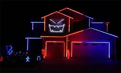 Ấn tượng với màn trình diễn ánh sáng theo phong cách Halloween