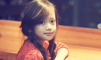 """Điều ít biết về """"thiên thần"""" 6 tuổi người Việt qua lời kể của mẹ"""