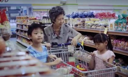 Đoạn phim ngắn về sự cho nhận khiến người xem cảm động