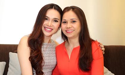Ngỡ ngàng với nhan sắc trẻ trung của mẹ Hoa hậu Diệu Hân
