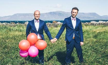 Chùm ảnh hạnh phúc của những cặp đôi đồng tính ở quốc đảo thần tiên Iceland