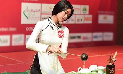 Thí sinh Hoa hậu Việt Nam duyên dáng trong phần thi tài năng