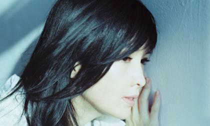 U50 Châu Huệ Mẫn khoe vẻ đẹp tinh khôi như thiếu nữ