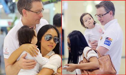 Gia đình Đoan Trang rạng rỡ xuất hiện tại phi trường