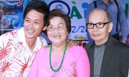 Hoài Linh ra mắt bố mẹ trong tiệc sinh nhật