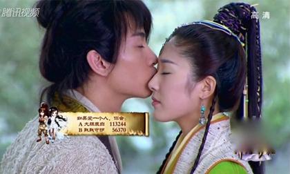 """Dương Quá 2014 lăng nhăng """"bắn điện"""" với cả dàn nữ phụ"""