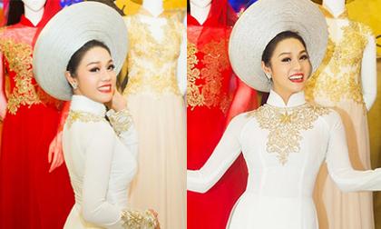 Nhật Kim Anh diện áo dài bó sát 'đập tan' nghi án bầu bí