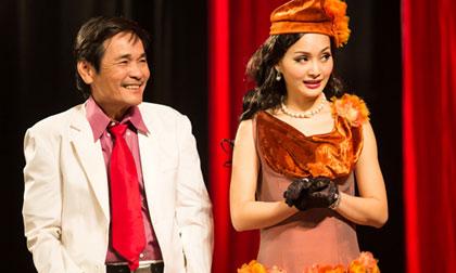Lan Phương hóa bà Phó Đoan 'lả lơi' trên sân khấu