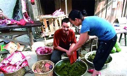 Lạ lùng món... lẩu phân bò ở Trung Quốc