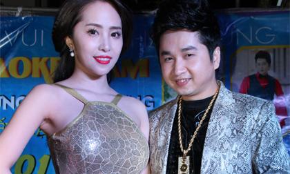Quỳnh Nga - Bằng Cường 'đụng' style da trăn trong cùng đêm nhạc