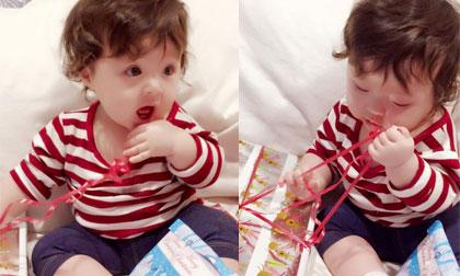 Cadie 'hì hục' mở quà Giáng sinh cực yêu