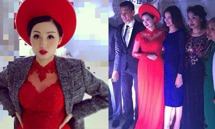Tâm Tít bất ngờ đính hôn với bạn trai ở Hà Nội