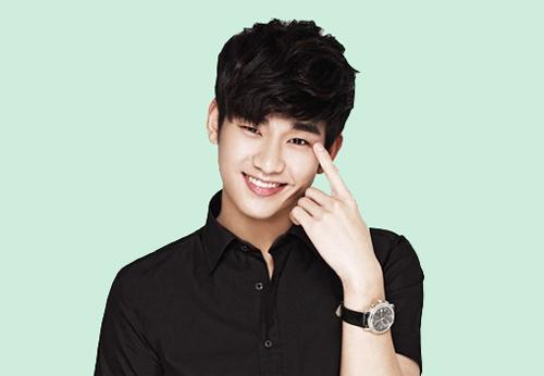 Bức Ảnh Này Trông Kim Soo Hyun Giống Như Một Em Bé Đáng Yêu Đang Chỉ Tay Để  Đoán