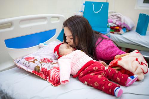 Hoa hậu Kỳ Duyên, Nguyễn Cao Kỳ Duyên, Hoa hậu Kỳ Duyên thăm bệnh nhân tại viện K