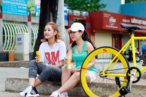 Chi Pu, Chí Thiện, Nước thể thao nhập khẩu từ Thái Lan, Sponsor