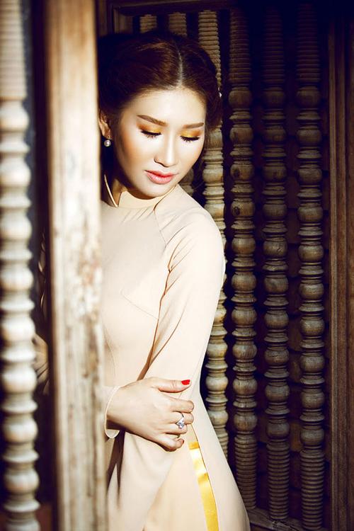 Quỳnh Thi, Khải Thiên, Người mẫu Quỳnh Thi