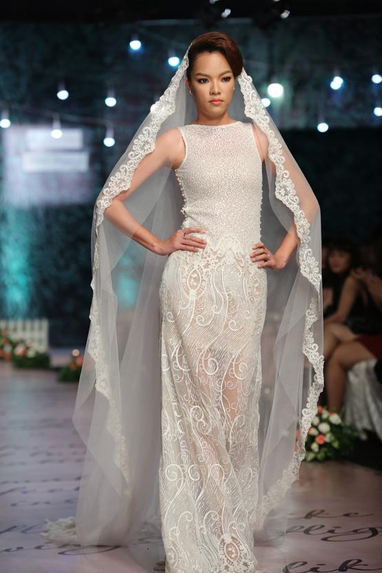 Phùng Ngọc Yến khoe vẻ đẹp cá tính với trang phục cưới