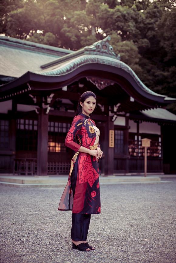 Ngọc Hân khoe dáng trên đất Nhật 4