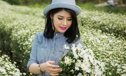Chỉ là chụp với cúc họa mi, sao hotgirl Mai Hana lại đẹp nhường vậy