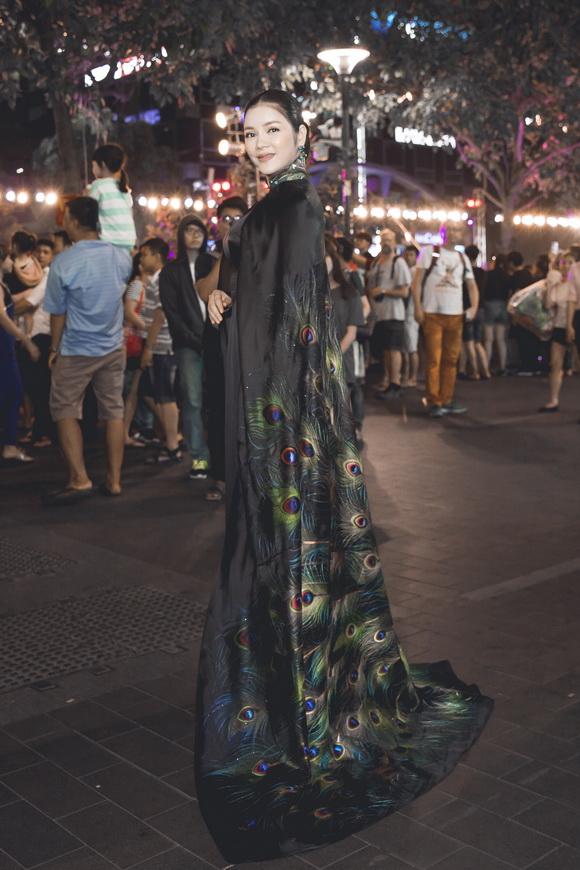 Lý nhã kỳ,diễn viên lý nhã kỳ,công chúa lý nhã kỳ, quảng trường nguyễn huệ