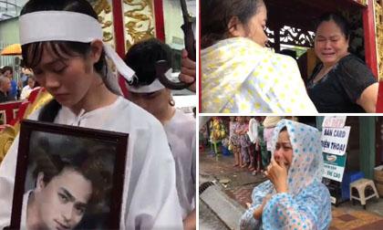 Vợ con, người thân nghẹn ngào tiễn biệt diễn viên Nguyễn Hoàng vào phút cuối trong ngày mưa bão