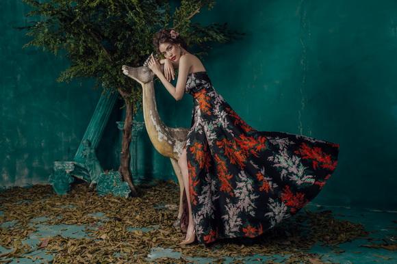 Siêu mẫu lan khuê,lan khuê đẹp khác lạ,hoa khôi lan khuê