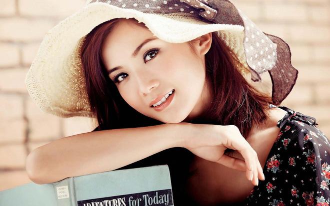 beautiful-asian-girl-smile-hat-wallpaper-1501734314276